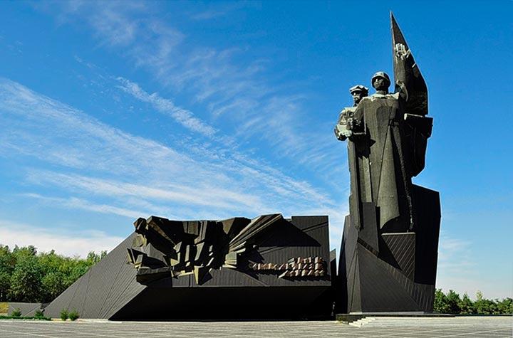 памятник Твоим освободителям, Донбасс
